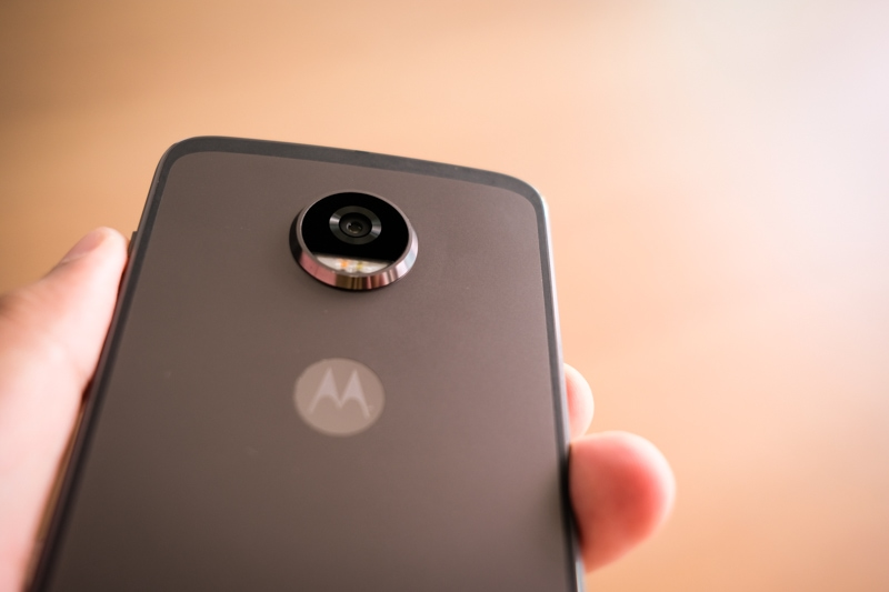 Motorola Moto Z2 Play and Moto Mods Review 4