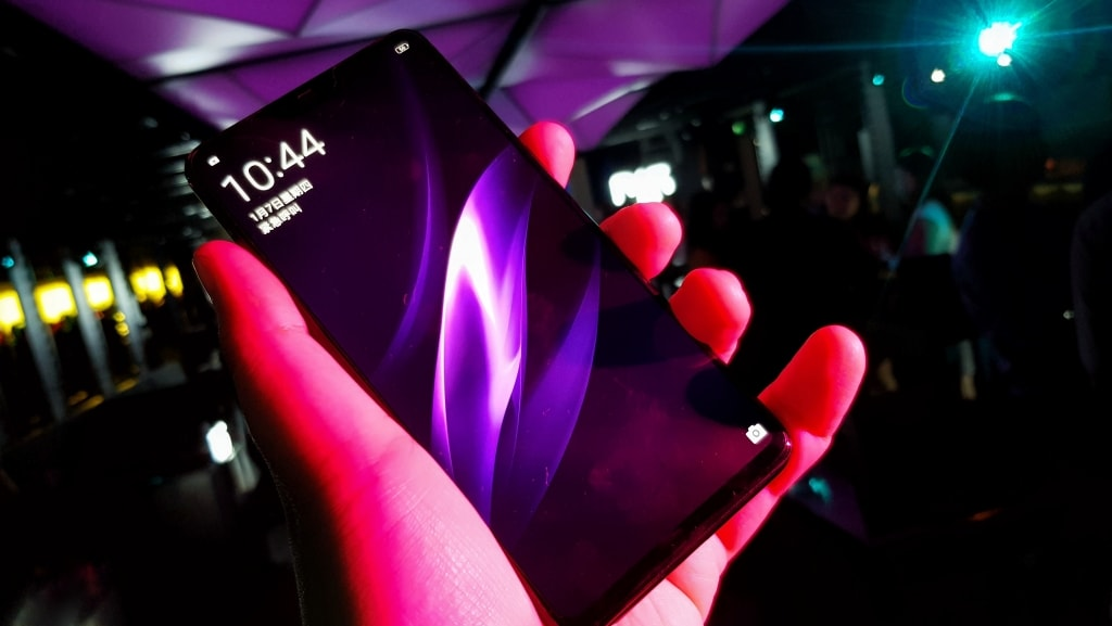 Oppo R15 and R15 Camera Phone Launch 3