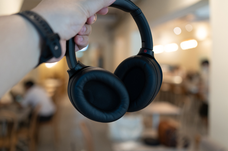 Review - Sony Noise Cancelling WH-1000XM4 Headphone 2